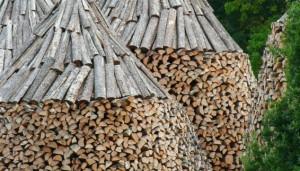 tipps zum kaminholz brennholz kaufen fehler vermeiden. Black Bedroom Furniture Sets. Home Design Ideas